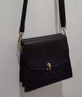 Tas Wanita Tas Gucci slempang warna hitam
