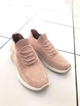 Sepatu Skechers Wanita