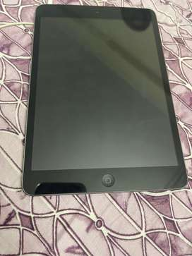 Ipad mini (old version) in very good condition with cellular network