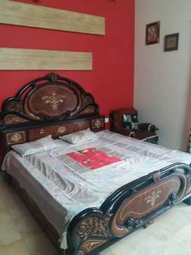 Wells furnished t.d.i. city 1 room set available in good location