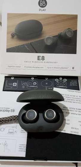 Earphone Beoplay E8 merk B&O (Bang & Oulsen)