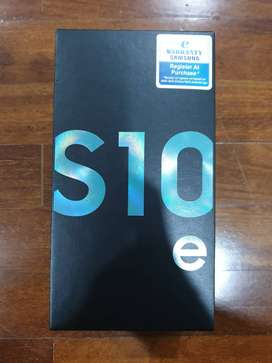 Samsung galaxy  s10e   with warranty of one year with bill, and box
