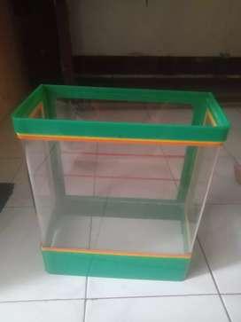 Di jual kotak es buah ( bahan acrilik ) uk kecil kapasitas 25 ltr
