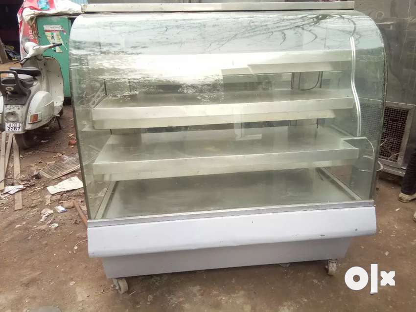 Display counter Hotcase 4ft available 0