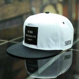 Rhodey Topi Snapback N86 Brooklyn Twenty - White