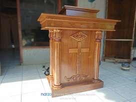Mimbar podium gereja terbaru
