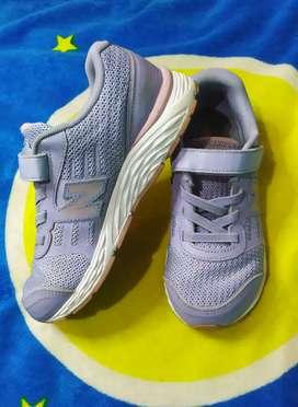 New balance sepatu anak