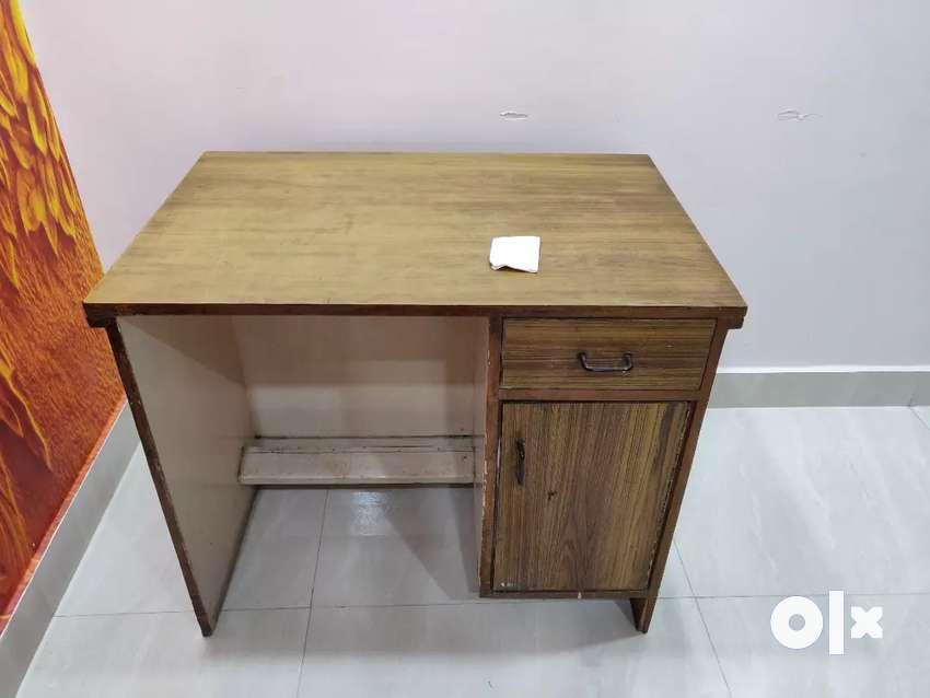 Study Table / Computer Table 0