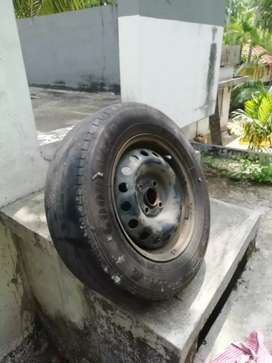 I20 Tyres wheel and wheel cup