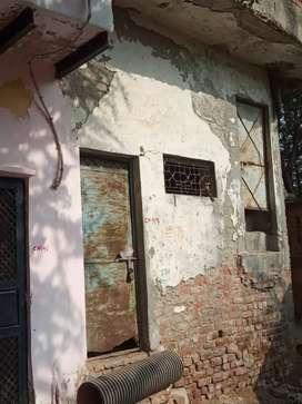 25 gaj house available