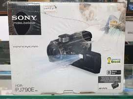 HDR-PJ790E Sony Projector Handycam On Cash and easy Instalments.