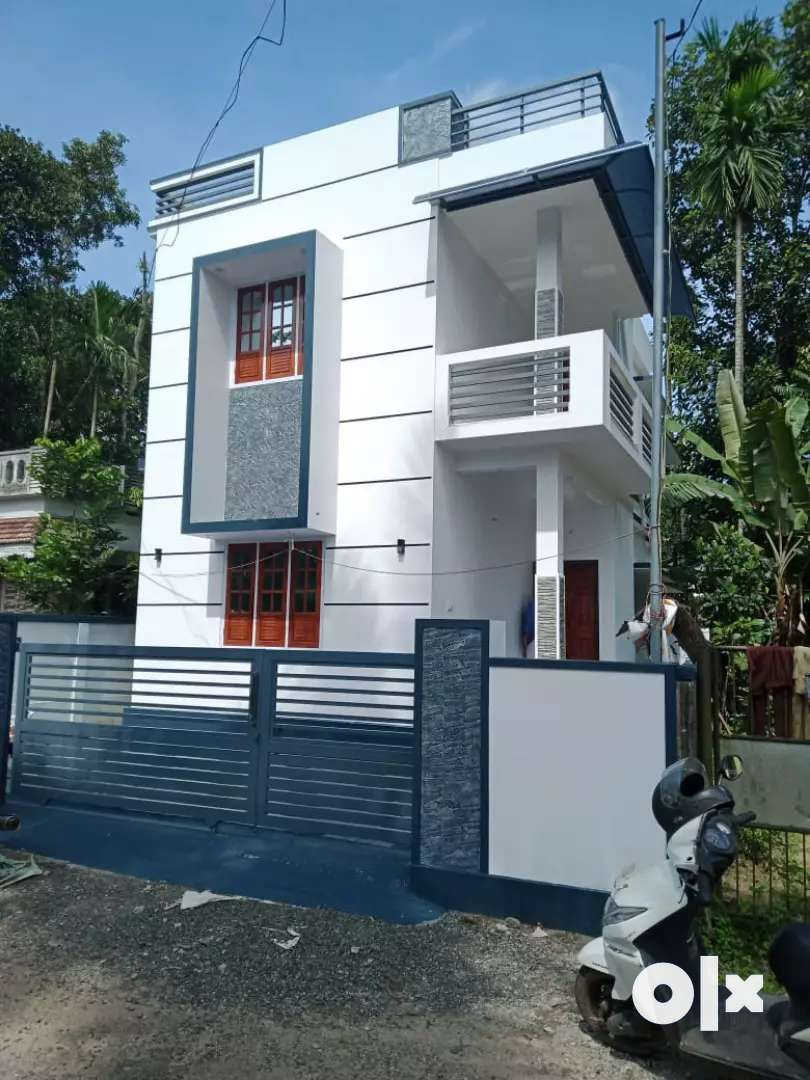 3 bhk 1300 sqft  ready to occupy at aluva paravur road thattampady 0