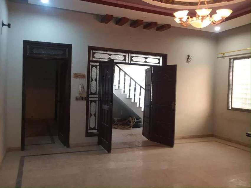 Outclass Banglow Portion Ground Floor 240 Sq Yds In Block 7 Rent 0
