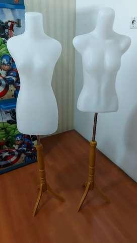 Patung baju wanita