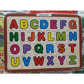Mainan puzzle kayu huruf