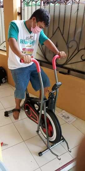 Sepeda fitnes new Platinum bike class unggulan