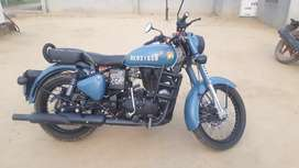 Royal Enfield Classic Signals 350 Air born With ABS