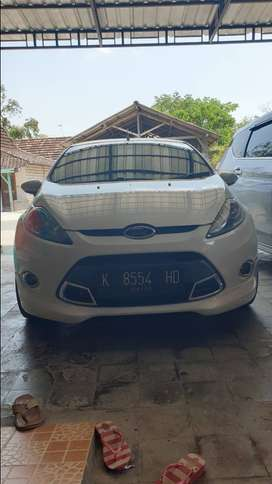 Ford fiesta 2012 A/T 1.6 S limited