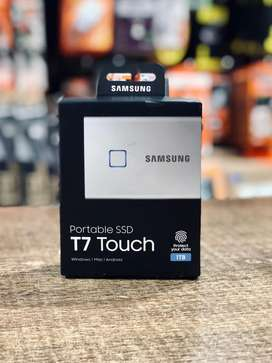 Samsung Portable 1TB SSD T7 Touch USB 3.2 - Silver