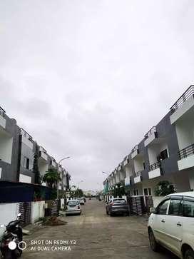 Prime location main road- 3bhk duplex in beatifull covered campus