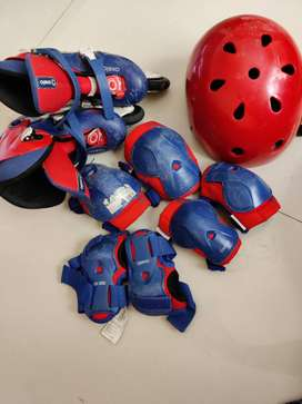 Skates, guards and helmet for kids - Decathlon