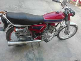 Honda 125 non-accidental in good condition for urgent sale on cash