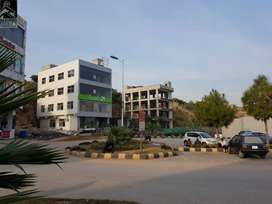 Bahria Town Phase 7 Rawalpind,1350 Sq Ft Ground Floor Commercial Hall.