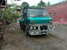 Isuzu bison 1994 truk roda 4
