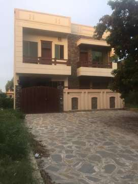 6 marlas double story with basement house for sale is available