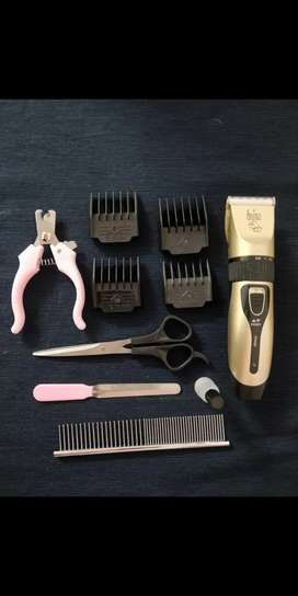 DOG GROOMING KIT WITH TRIMMER COMB AND NAIL CUTTER