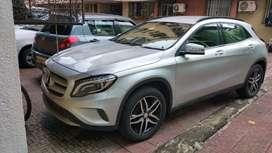We provide Luxury car on rent