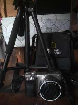 Kamera Mirrorless Sony A6000 dan Lensa kit 16-50 OSS