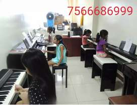 Music classes Vocal and Piano