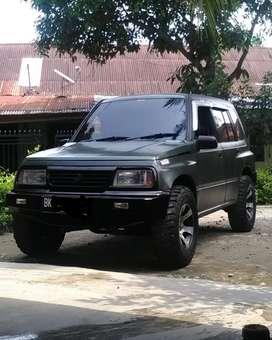 Dijual mobil suzuki sidekick thn 1995
