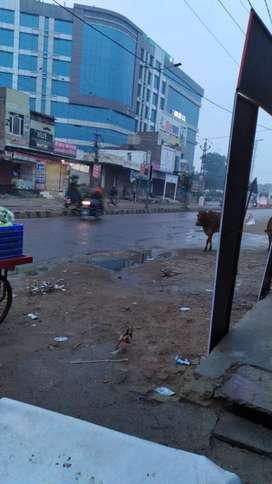 12*24 dukan h chal chowk pr  full parking