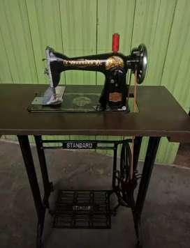 Mesin Jahit Standard keluaran lama,mulus & tinggl pakai