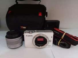 Kamera Mirrorless Canon Eos M10 15-45mm
