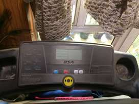 Branded Automatic Tredmill in working condition