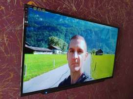 "Maha bachat offer 40"" 4K full UHD LED with Free Wallmount stand"