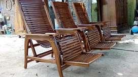 Kursi malas kursi teras kayu