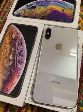 Apple i phone xs 64 gb gold & silver