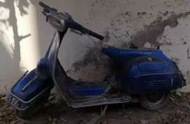 Used vespa origal condition for restoration for sale
