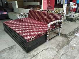 DIWALI OFFER QUEEN SIZE SOFA CUMBED