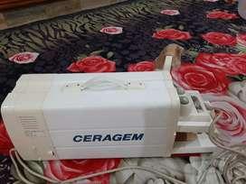 CERAGEM (Ceragem Compact CGM P390) 3 years old Body massager