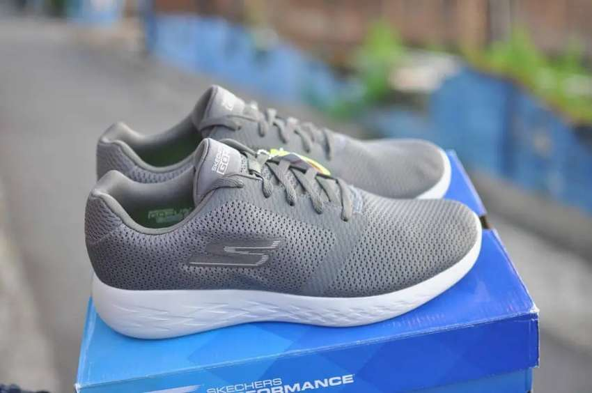 Sepatu SKECHERS GO RUN 600-REFINE 55061/CHAR 0