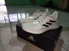 Sepatu Adidas Senseboost Go M