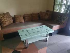 Sofa L lkp (Bantal, Meja kaca dan 2 sofa)