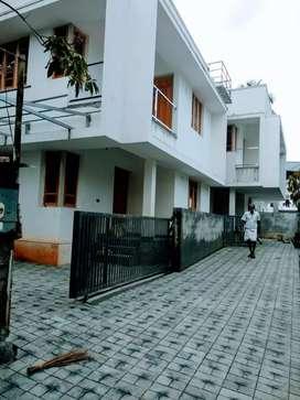 3 bhk 1300 sqft house at kakkanad very near to civil station