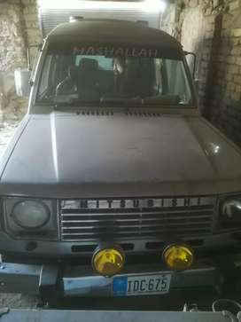 Good condition pajero ac, cng working
