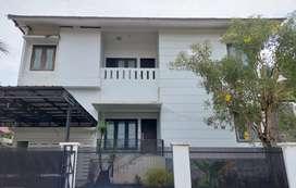 Dijual Rumah Mewah Dua Lantai View Laut dan Kota